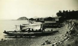 Nouvelle Guinee Bateaux Barques Et Maison Indigenes Ancienne Photo 1940