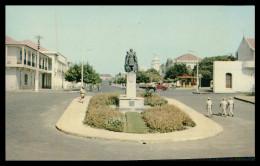 BISSAU - ESTATUAS - Monumento A Nuno Tristão( Ed. Foto Serra Nº 120) Carte Postale - Guinea Bissau