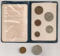 Britain's First Decimal Coins : Set De 5 Pièces 1968-1971 Avec La Pochette + 50p 1969 Et 1p 1971. New Pence - 1971-… : Monnaies Décimales
