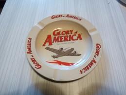 Cendrier Publicitaire: Glory Of America, Rond, Diàmètre 14 Cm, Ht: 15mm, Tôle - Cendriers