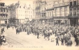 59 - NORD - Lille - Grande Place Un Jour De Bourse - Lille