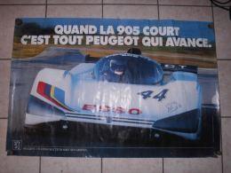 POSTER  AFFICHE 78 X115 Cm QUAND LA 905 COURT C' EST TOUT PEUGEOT QUI AVANCE - Autorennen