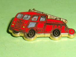 Pin's / Pompiers  :  Sapeurs Pompiers , Verso Ballard Doré à L'or Fin    TB2b - Bomberos