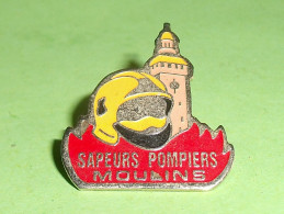 Pin's / Pompiers  :  Sapeurs Pompiers De Moulins    TB2b - Brandweerman