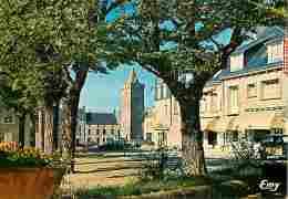 50 - Portbail - La Place Aux Arbres Et La Vieille Tour De L'église Notre-Dame - Automobiles - Carte Neuve - Voir Scans R - Other Municipalities