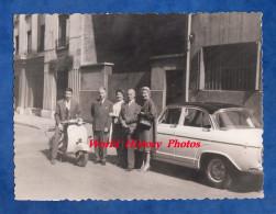Photo Ancienne - Beau Scooter & Belle Automobile à Identifier - 1961 - Vespa ? - Auto Moto - Automobile
