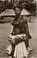 République Démocratique Du Congo (ex Congo Belge) MWEKA  Province Du Kasaî  Jeune Homme Bakuba (peuple D'origine) - Congo Belge - Autres
