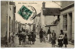 77 AVON La Grande Rue-Très Animée-Gros Plan-coiffeur,fromagerie, Tabac,,,,, - Avon