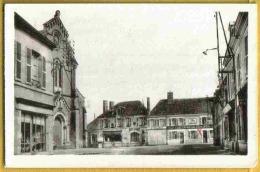 SANDILLON - Vue Peu Courante PLACE EGLISE Café Lion D'Or Commerces - France
