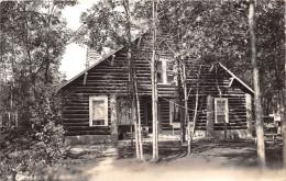 ETAT-UNIS - WISCONSIN  - Maison En Bois Blindé Fait De Troncs D'Arbres  -  Carte-Photo - Etats-Unis