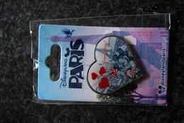 DLP - J'aime Paris Mickey Minnie Heart        Open Edition - Disney