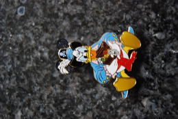DLRP - Pirates Of The Caribbean (Pirates Des Carraibes) Starter Set (Lanyard & 4 Pins) Donald Duck         Open Edition - Disney