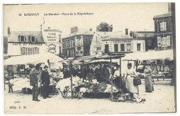Cpa  Epernay - Le Marché, Place De La République  ((S.287)) - Epernay
