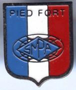 Pin´s Blason  PIED FORT DE FRANCE MARTINIQUE - Cities