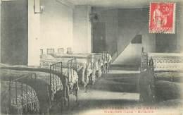 """.CPA FRANCE 42 """"Marlhes, Institution Notre Dame De Joubert Un Dortoir"""" - Autres Communes"""