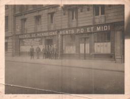 PHOTO 12 X 9 CMS REPRESENTANT LES BUREAUX DE L'AGENCE DE RENSEIGNEMENT P O ET MIDI - Places