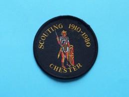 Boy Scouts Badge : SCOUTING 1910 - 1980 CHESTER ( Zie Foto Voor Detail ) ! - Padvinderij