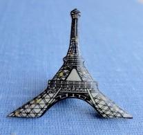 Pin´s Tour Eiffel à  Pile - Städte