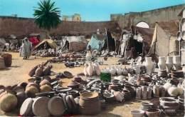 Scènes Et Types - Marché Aux Poteries - Algeria