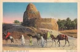Scènes Et Types - Un Marabout Dans Le Sud (chameaux) - Algeria