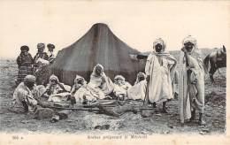 Scènes Et Types - Arabes Préparant Le Méchoui - Algeria
