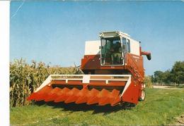 CPSM  AGRICULTURE MOISSONNEUSE BATTEUSE INTERNATIONALE 915 (U.S.A.) - Tractors