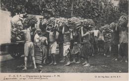 CPA - AK Afrique Équatoriale Francaise A. E. F. AEF Chargement De Bananes Chad Gabon Congo Oubangui Chari Afrika Africa - Centrafricaine (République)