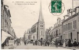 NEMOURS  La Rue De Paris Et L'Eglise Un Jour De Marché  2 Scans - Nemours