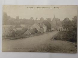 CPA (53) Mayenne - ST JEAN Sur ERVE - Le Bourg - France