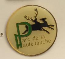 ANIMAUX CERF PARC DE LA HAUTE TOUCHE - Animals
