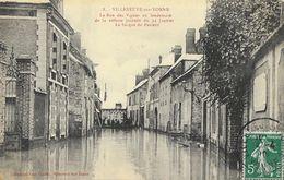 Villeneuve-sur-Yonne, La Rue Des Vignes Au Lendemain De La Néfaste Journée Du 22 Janvier 1910 - La Barque Du Passeur - Inondations