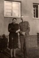 Photo Originale Guerre 1939-45 - Portrait D'une  Mère Et De Son Jeune Fils - Soldat Allemand - - Guerre, Militaire
