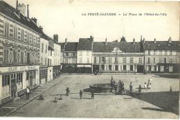 La Ferte Gaucher La Place De L Hotel De Ville - La Ferte Gaucher