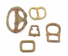 Lot De Boucles Style Romaine Ou Médiévales. Romain Ou Médiéval, Bronze - Archéologie