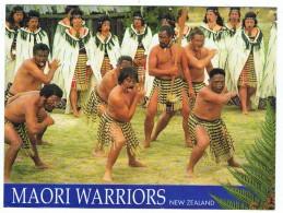 Maori Warriors In Action    16 Cm  X  12 Cm - Océanie