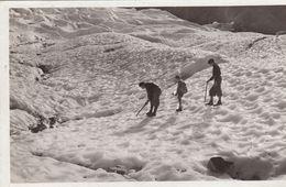 G , Cp , SPORTS , Chamonix-Mont-Blanc , Traversée Du Glacier Des Bossons - Mountaineering, Alpinism