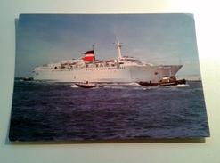 "Paquebot Car-ferry ""Provence"" Avec Pilotine - Dampfer"