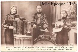 62 - LIÉVIN - Mlle L. CUVILLIER - Virtuose Accordéoniste / Batteur / Guitariste ++++ Photo D'Art, H. Allender +++++ RARE - Lievin