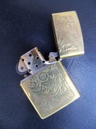 Ancien Briquet ZIPPO VENITIEN Bronzé Cartouche Vierge  Code: H VII - Zippo