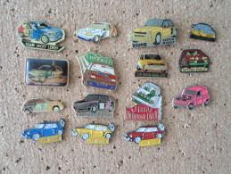 Lot De Pin's Rallyes Renault Clio, R5GT,4L, R 5 Turbo Etc.. - Renault