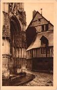 CAUDEBEC-en-CAUX - Porte Renaissance De Notre-Dame Et Vieilles Maisons Normandes - Caudebec-en-Caux