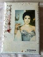 Plaque (16,8 X 23,5 ) En Tole Avec Dos En Carton- Ets H  DELUC & Cie SA- Garage CITROEN  Périgueux 24 Avec  Thermometre - Plaques Publicitaires
