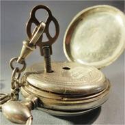 ~ MONTRE GOUSSET ET SA CHAINE EN ARGENT - Horlogerie Argenterie - Orologi Da Polso