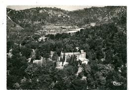 CPSM  83 LA ROQUEBRUSSANNE VUE AERIENNE  CHAPELLE COLLINE DES BAUMES - La Roquebrussanne