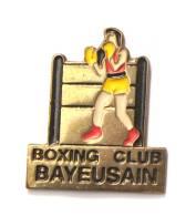 Pin's  BOXING CLUB BAYEUSAIN - Bayeux (14) - Boxeur - F888 - Boxing
