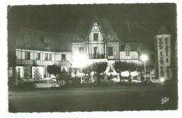 14 - DEAUVILLE - La Mairie Illuminée (automobile Citroen DS) - Deauville