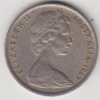 @Y@    Australië   5  P   1967     (3320) - Zonder Classificatie