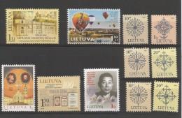 Lietuva  Lot Divers Entre 2002 Et 2004 **  (MNH)