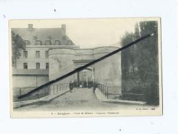 CPA   Décollée  - Bergues  - Porte De Bierne  -  Caserne Thémines - Bergues
