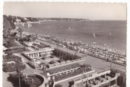 JUAN-LES-PINS. - Les Nouvelles Terrasses Et La Plage - France